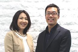 岡部さんとIBJスタッフ後藤。「岡部さんは自然体な人柄が魅力ですよね」と語る後藤。