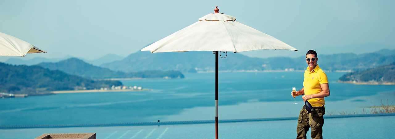 ギラリな太陽と海の港街でアクティブな休日を