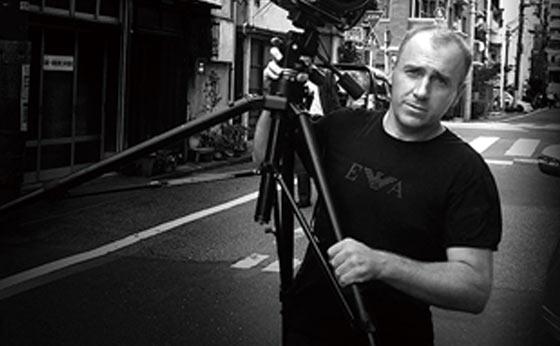 写真家のトマシュ・グゾバディ氏が展覧会「PROOF」を開催