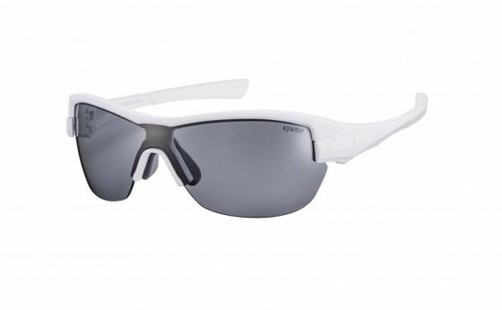 『ayame×SWANS』のコラボレーションサングラスが発売開始