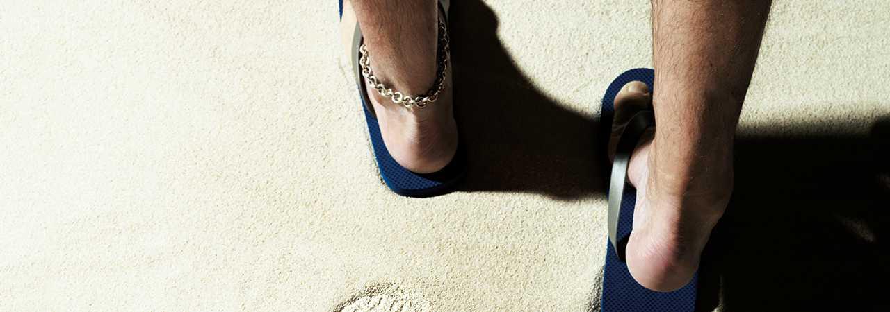 ふたりの愛の足跡でこの砂浜を踏み荒らすのダ❤︎