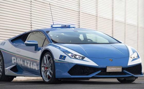 世界最速のパトカー誕生!? 「ウラカン・ポリツィア」がイタリア警察に