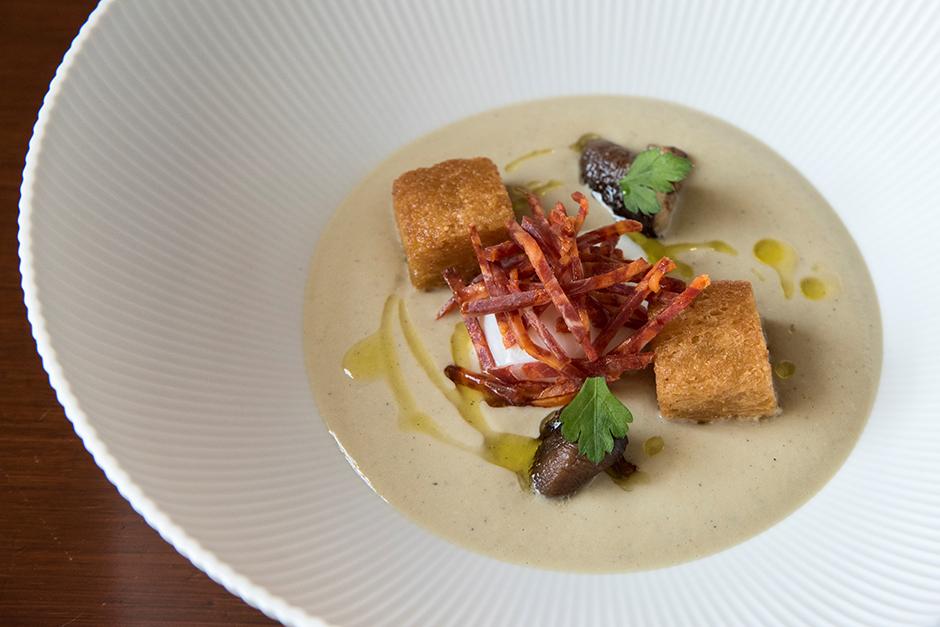 高知産の「茄子」と「土佐ジローの卵」のスープ