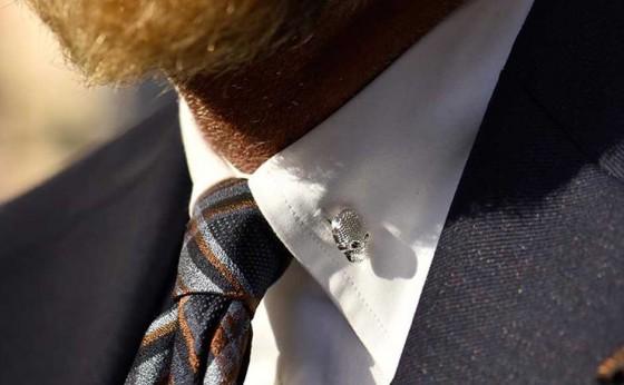 「買えるLEON」スーツスタイルでほかと差別化を図るならこのシャツでキマリ!
