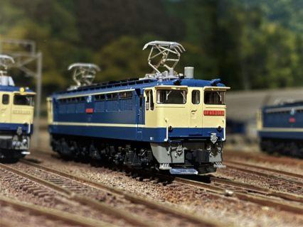 EF65 2000番台 復活国鉄色が入線です。 KATO 3061-5 2068