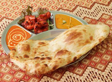 Dhom Dhadaka Bar の写真