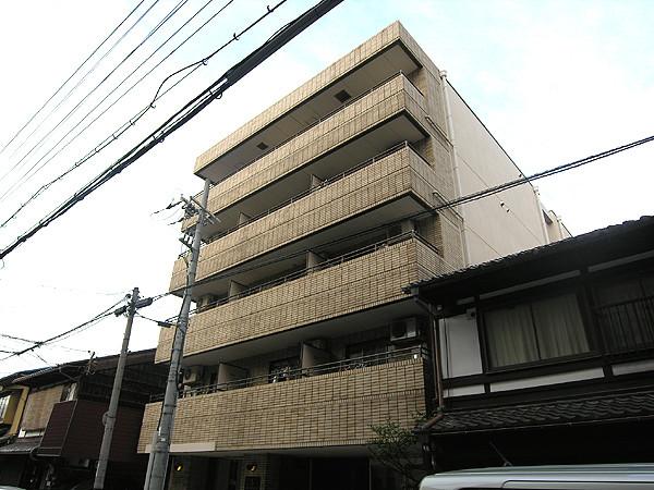 1R 68000円