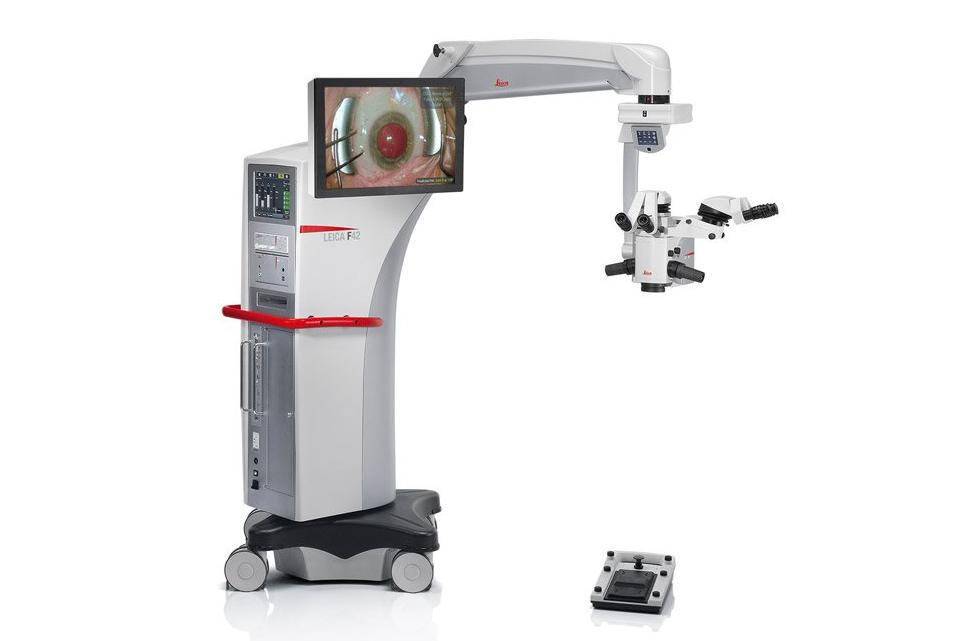 眼科用手術顕微鏡 Proveo 8