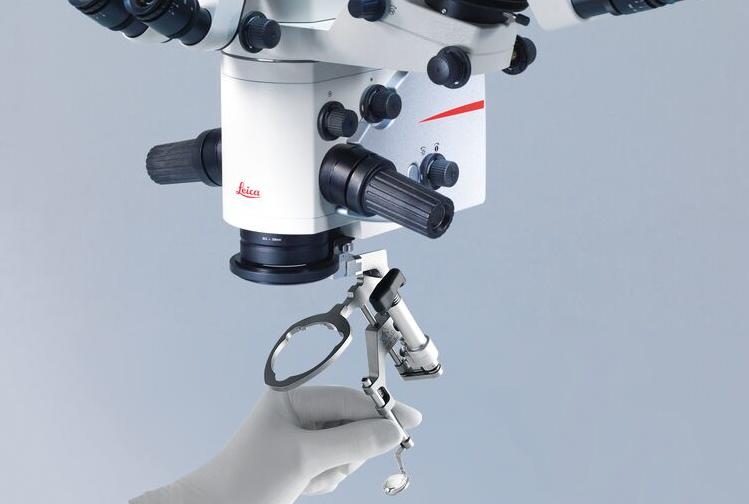 眼科手術顕微鏡向け 硝子体手術用広角観察システム BIOM® 5のシンクロフォーカス【動画】