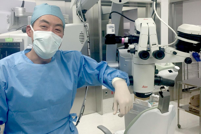 眼科用手術顕微鏡活用事例/白内障手術専門ドクターこだわりの最新設備
