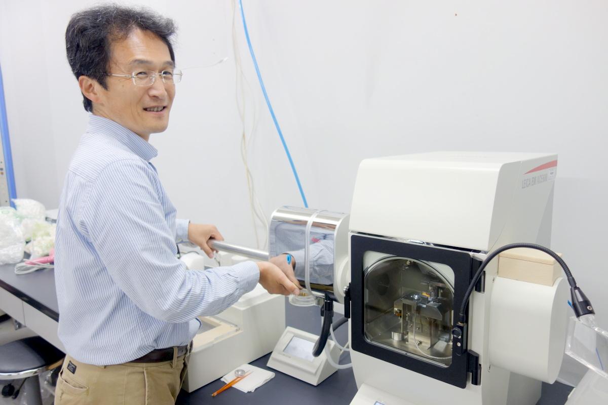 クライオ電顕試料作製ソリューション活用事例/非常にデリケートな燃料電池材料
