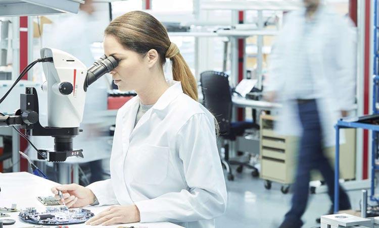 顕微鏡下での作業に最適な疲れにくいカメラ付き実体顕微鏡を選ぼう