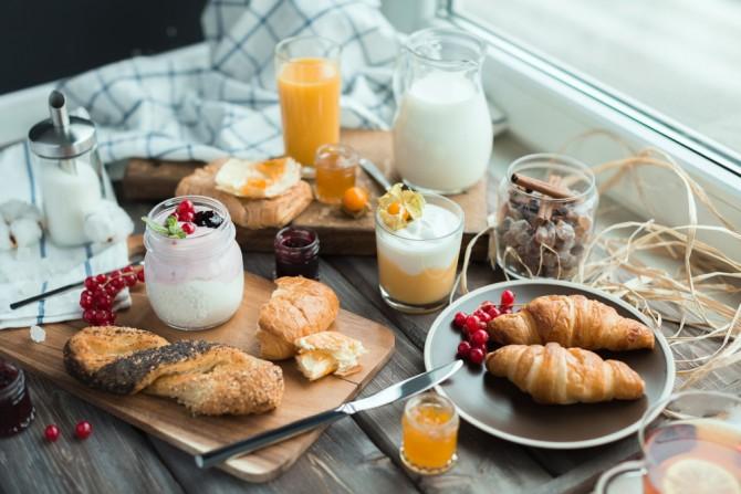 朝ごはんを食べたすぐ後にお腹が...