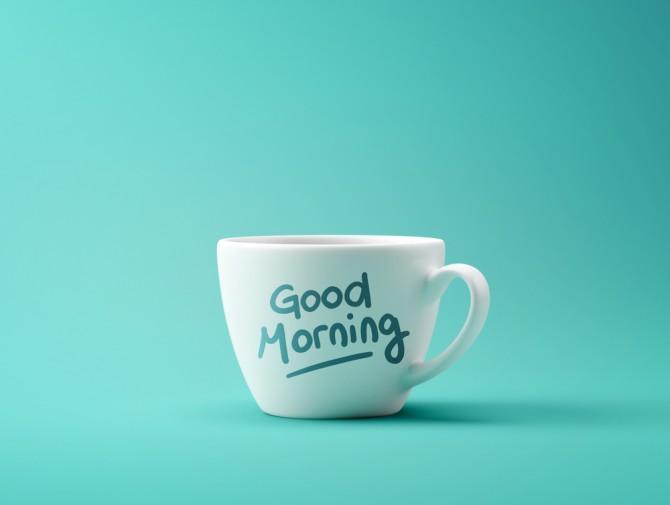 「Good Morning」と書かれたカップ