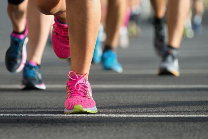 マラソンランナーの足