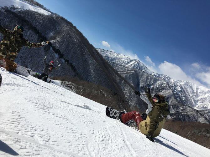 雪山とボーダー