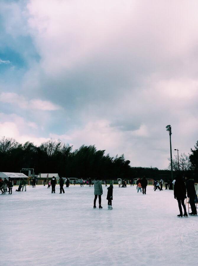 広々としたスケートリンク