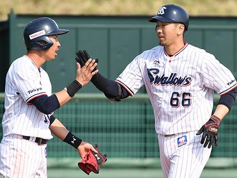 大松選手が移籍後初本塁打