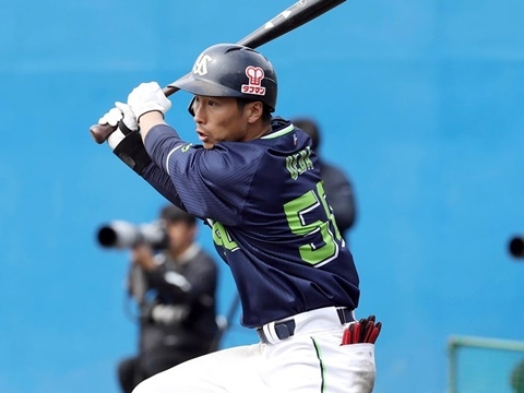 紅白戦で上田選手が3安打猛打賞!