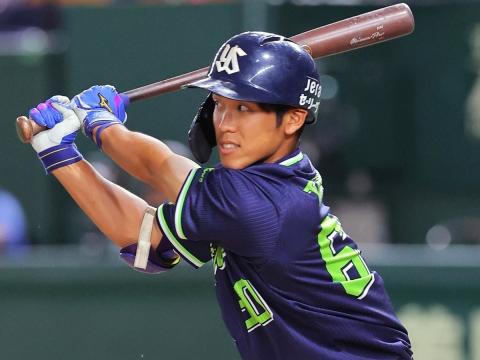武岡選手がプロ初出場、初打席で初安打