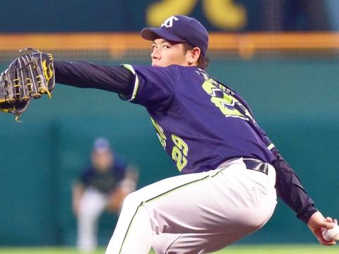 小川投手が7回4安打無失点8奪三振の好投