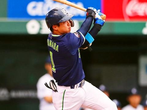 山田選手が16号ソロを含む4安打の活躍