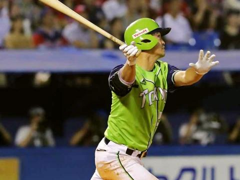 青木選手が7号3ラン含む3安打3打点