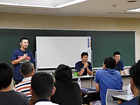 山部氏、河端氏、野口氏が少年野球指導者に向けて講習会を実施!