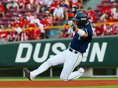 日本記録に並ぶ32連続盗塁成功