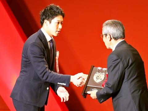 山田選手が最多盗塁者賞、ベストナイン、リーグ特別賞を受賞!