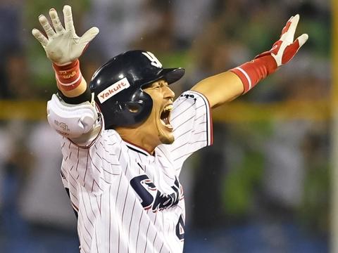 坂口選手がサヨナラタイムリー二塁打!