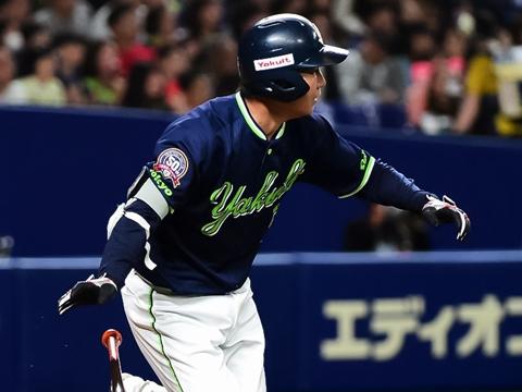 代打で今季初出場の川端選手がタイムリーを放ち、通算1,000安打達成!