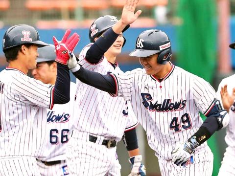 渡邉選手が満塁ホームランでアピール!