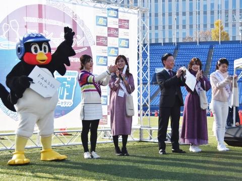 つば九郎が新宿区「ワインマラソン2019 in 明治神宮野球場」に登場!