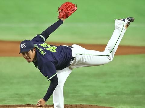 先発・岩橋投手は満塁のピンチを三振で凌ぐ