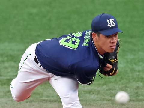 小川投手が7回4安打1失点の好投