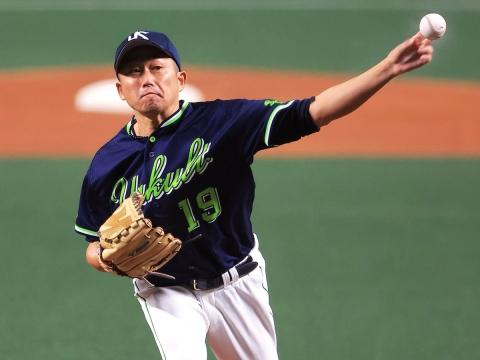 石川投手が6回4安打2失点で試合作る
