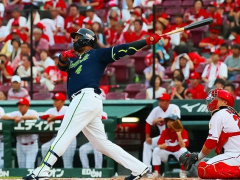 先制のタイムリー二塁打