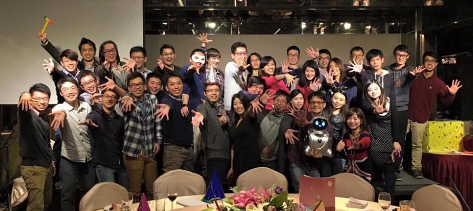 VMFive 夥伴們這一年多來,扶持著彼此,努力不懈地奮鬥拼搏、四處征討!