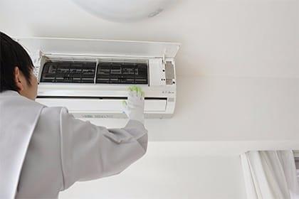 夫婦で経営♪快適な住まいづくりをお手伝いする掃除のエアコン取り付けコース(配管4m新品)