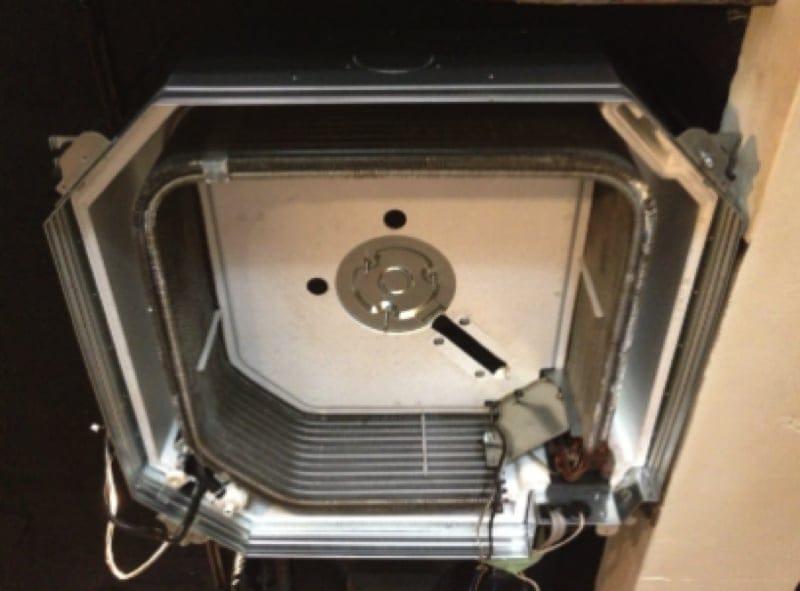 大手不動産業者からの依頼も受けます!安心の天井埋込型エアコンクリーニング