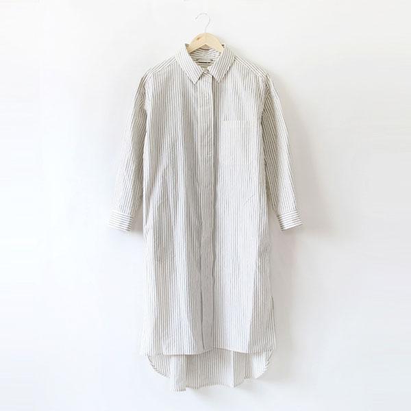 022c038686dac ワンピースの中でも着こなしの幅を広げてくれるのは、シャツワンピース。シャツワンピースはシャツのよう に襟が付き、パリッとした作りで前面にボタンが付いたもの。
