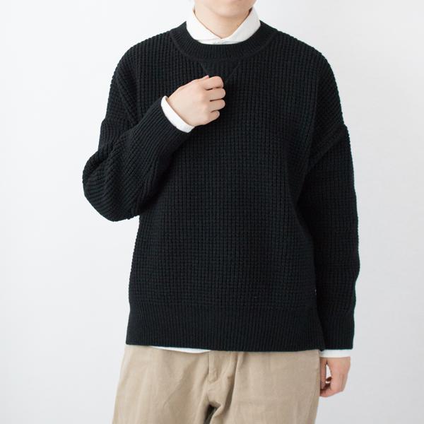 ワッフル編みセーター