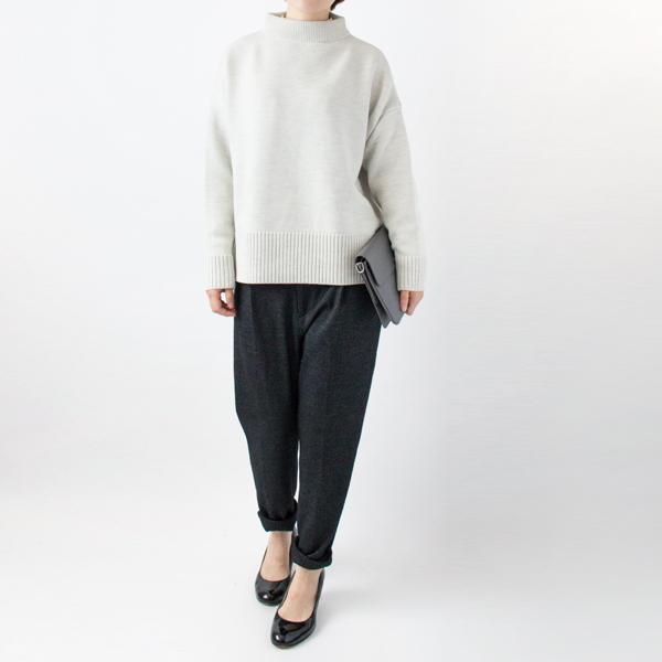 モックネックセーター