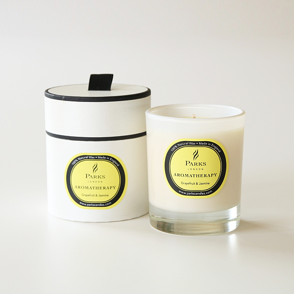 Aromatherapy candles grapefruit and jasmine