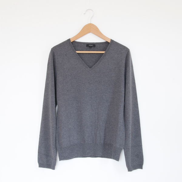 Basic V-neck long sleeve gray