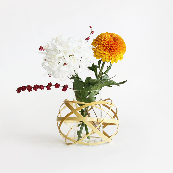 Flower vase and bamboo ornament Kusudama hanaire