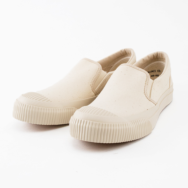 SHELLCAP SLIPON KINARI/OFF WHITE