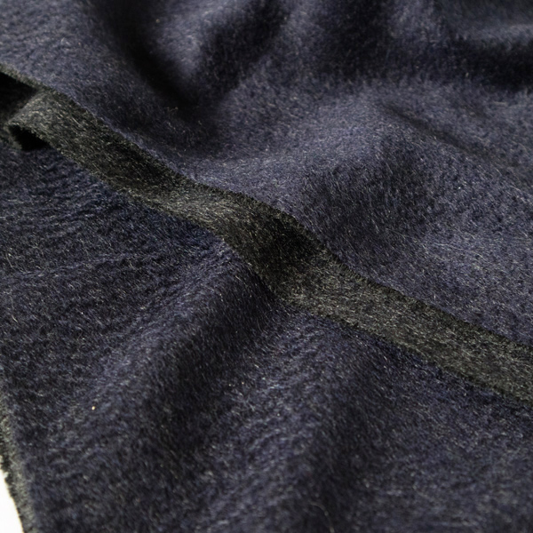 マフラー Arran Semi Reversible Navy Charcoal