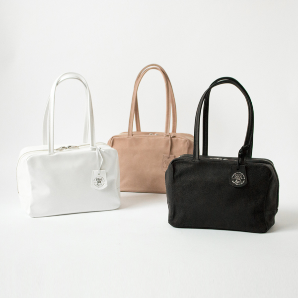 スクエアダッフル XS(WHITE、PINK BEIGE、BLACK)